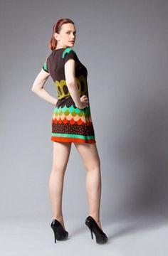 Ancora un abitino caldo, simpatico e colorato appena arrivato da #Londra #London lo trovi qui da #Lolalondonstyle a #Roma #Rome non perdeteli..ce ne sono pochi! #fashion #outfit #bijoux #accessori #moda #woman #streetstyle #abbigliamento #vintage #guardaroba #shopping