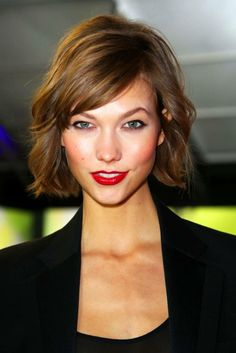 the perfect bob + side-swept bangs // winter look Mane Addicts » Inspiration