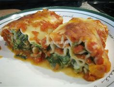 Eat Your City: Spinach and 5 cheese lasagna roll-ups with roasted tomato sauce recipe. Mozzarella, cheddar, Monterey Jack, parmesan and cream cheese cheeseiness! Roasted Tomato Sauce, Tomato Sauce Recipe, Lasagna Rolls, Roll Ups, Home Recipes, Cheese Lasagna, Spinach, Healthy Eating, Yummy Food
