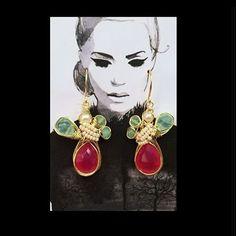 Handmade #pgaccesorios #earrings #chapadeoro #calcedonia #crisoprasa