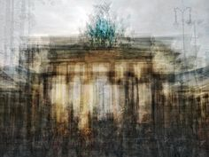 Pep Ventosa, The brandenburg gate (The collective Snapshot), Each one of these works is a composite of up to one hundred separate snapshots of the same subject matter.