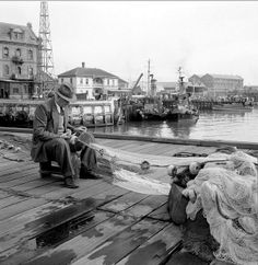 Checking the net....... c1951. | Flickr - Photo Sharing!