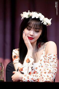 SOOJIN Kpop Girl Groups, Korean Girl Groups, Kpop Girls, Girl With Hat, My Girl, Kpop Hair, Star Magazine, Soo Jin, Pretty Asian