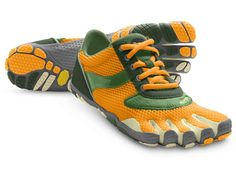 I nya kulören Gold/Green tror jag banne mig att speed blev snäppet snabbare. Toe Shoes, Dress Shoes, Outdoor Gear Stores, Finger Shoes, New Nike Sneakers, Vibram Fivefingers, Five Fingers, Everyday Shoes, Running Shoes For Men