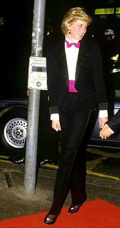 Princess Diana Wedding, Princess Diana Fashion, Princess Diana Pictures, Princess Of Wales, In Natura, Charles And Diana, Lady Diana Spencer, Queen Of Hearts, Royal Fashion