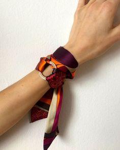 by SilkPhilosophy Purple Bracelet. by SilkPhilosophy Purple Bracelet. - My Accessories World Ways To Wear A Scarf, How To Wear Scarves, Estilo Hippie, Scarf Rings, Bandana Scarf, Bandana Bracelet, Pinterest Fashion, Turbans, Neck Scarves