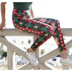 Made with ❤️ Ginger Juice Pantaloni  http://frizbuy.com/ Checkout our #onlinestore for more @frizbuy #miami #miamibeach #la #lasvegas #streetstyle #trendy #stylish #sun #fitnessmodel #beach #summer #christmas #christmastree #cybermonday #blackfriday #christmasgifts #holiday #travel #vancouver #fashion #toronto  #montreal #love #quebec #nyc