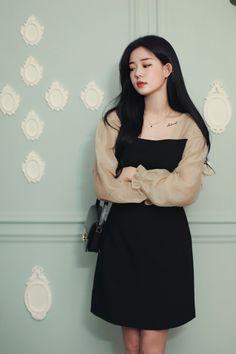 Korean Fashion Dress, Korean Outfits, Fashion Outfits, Womens Fashion, Cute Skirt Outfits, Cute Skirts, Korean Girl Photo, Girl Korea, College Fashion