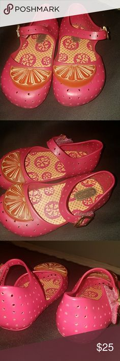 Girl mini melissas sz7 Used, but great condition!! Mini Melissa Shoes