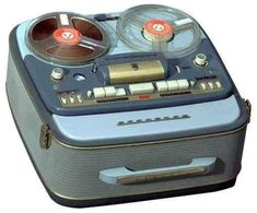1957 Grundig Tape Recorder In 1957 the largest tape recorder factory in the world is created in Bayreuth, and produced the Portable Tape Recorder with two tape speeds, a sound button. Radios, Cassette Vhs, Tape Recorder, Record Players, Phonograph, My Childhood Memories, Retro Design, Design Design, Old Things