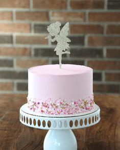 Tinker Bell Cake, Birthday Cake Girls, Birthday Ideas, Aladdin Cake, Snow White Cake, 30th Birthday Decorations, Lion King Cakes, Baby Girl Cakes, Pastries