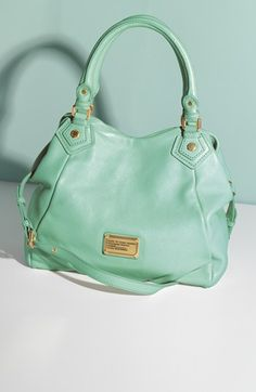 I am so loving mint right now - great bag
