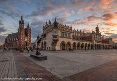 Sunset over Market Square, Krakow, Poland | © Curtis Budden curtisbuddenphotography.com Krakow Poland, Louvre, Marketing, Sunset, Cityscapes, Travel, Beautiful, Krakow, Voyage