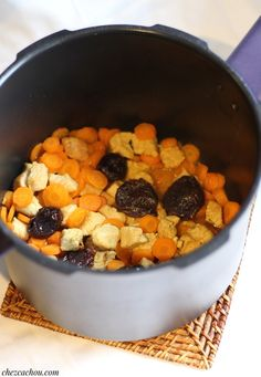 Sauteed turkey with carrots and prunes at Cookeo Dog Food Recipes, Healthy Recipes, Multicooker, Elora, Carrots, Paleo, Turkey, Pins, Dishes