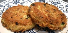 Poor Man's Crab Cakes (Canned Chicken) Low Carb Menus, Low Carb Recipes, Cooking Recipes, Can Chicken Recipes, Chicken Ideas, Chicken Cake, Chicken Patties, Canned Chicken, Canned Meat