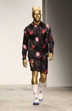Ridiculous Fashion Women | Ridiculous Runways: Cassette Playa Fall 2011