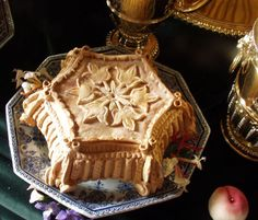 Replica Baroque pie by Food historian Ivan Day at Harewood House, 2007