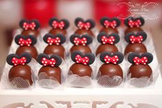 trufas Minnie Mouse Birthday Decorations, Mickey Mouse Parties, Happy Birthday Cakes, Mickey Mouse Birthday, Minnie Mouse Baby Shower, Minnie Mouse Cake, Mini Mouse Cupcakes, Cute Desserts, Disney Food