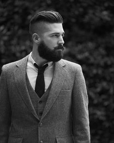Hipster beard - the most manly sovereign and uncompromising beard hairstyle Great Hairstyles, Undercut Hairstyles, Elegant Hairstyles, Men's Haircuts, Hairstyles 2018, Hairstyle Ideas, Beard Styles For Men, Hair And Beard Styles, Short Hair Styles