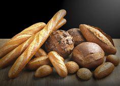 Toda una variedad de barras y panes integrales