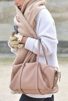 Rose style all the way. Playing with pastels this fall when it is oh so cold outside: rose pink pastel bag, lemon leather gloves, large pink pastel rose scarf, white loose sweater #fall #cold #streetstyle #pastelbag #rosebag #fashion