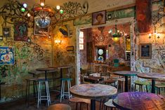 Spend your weekend in Budapest in style and visit well known tourist sites, as well as off the beaten path ones, sleep in a boutique hotel, eat Hungarian food, and drink local wine. Pub Interior, Interior Design, Budapest Ruin Bar, Thai Cafe, Dream Pop, Dive Bar, Cafe Shop, Deco, A Boutique