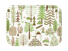 ノルウェー生まれのデザイナーが、北欧の「森」を描いた作品。フィンランドの白樺からつくられた27x20cmの木製トレーです。水洗いも可能。販売価格:3700円(税抜)<取扱|Kauniste Finland>