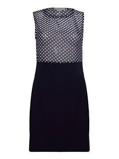 Krótka, bardzo modna sukienka z łączonych materiałów.
