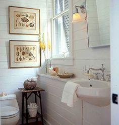 pretty beach-y bathroom