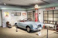 Resultado de imagem para european classic car garage