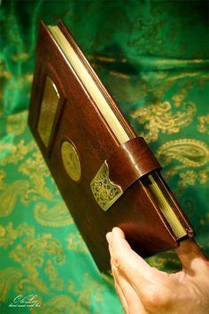 Свадебная гостевая книга в кожаном переплете
