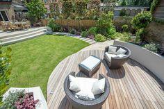 Circular deck in a garden design in Wandsworth SW18 #KEGD