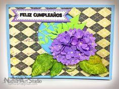 Tarjeta con Hortensia de papel y las hojas de porcelana fria. Card with Paper Hydrangea with cold porcelain leaves.