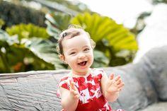 essas risadinhas: a melhor parte do trabalho! <3 #ensaiodebebe #baby #babygirl #fotodebebe #ensaiodefamilia #parqueburlemarx #ensaioaoarlivre #love