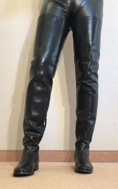 Gr.43 TOP ! Exklusiv Sexy Damen Schuhe Overknee Flache Stiefel Männer Boots D3 Mens Heeled Boots, Mens Tall Boots, Mens Riding Boots, Horse Riding Boots, Sexy Boots, Cowboy Boots, Big Black Boots, Brown Thigh High Boots, Leather Over The Knee Boots