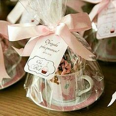 """Lembrancinhas lindas para o seu chá! ☕ Essa ideia fofa eu encontrei no @clubedasnoivass "" Baby Shower Favors, Shower Gifts, Bridal Shower, Shower Baby, Party Gifts, Diy Gifts, Party Favors, Wedding Favours, Wedding Gifts"