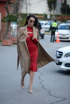 Best Street Style at Istanbul Fashion Week Fall 2015 - Livingly