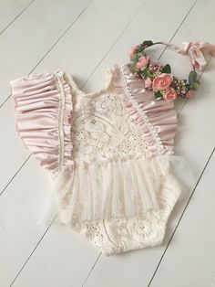 Adorable daughter rompers are relaxed, lovely clothing for little ones. You'll find rompers for kid little girls that you can find in trendy Oragnic Baby Rompers Baby Girl White Dress, Baby Girl Birthday Dress, Baby Girl Romper, Baby Dress, Toddler Outfits, Girl Outfits, Rompers For Kids, Baby Rompers, Newborn Photography Props