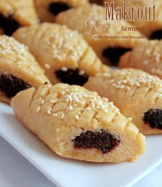 If you are looking for better Resep Kue Klapertart Panggang cooking recipes you've come to the right place. Eid Cake, Tunisian Food, Middle Eastern Desserts, Algerian Recipes, Egyptian Food, Sweet Pastries, Arabic Food, Pinterest Recipes, Crepes