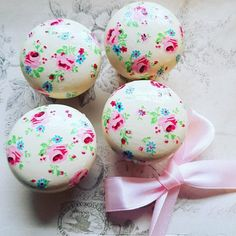 Your place to buy and sell all things handmade Shabby Chic Drawer Knobs, Draw Knobs, Chalky Paint, Wooden Drawers, Shabby Chic Pink, Vintage Rock, Floral Theme, Ditsy Floral, Handmade Items