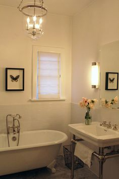 i do really love the clean, bare look for a bathroom. unfortunately, my bathroom (or life...for that matter) will probably never be this pretty/clean/organized.