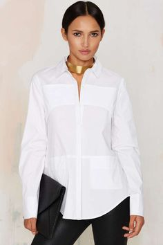 We hate to go, but we'd love to watch you leave in this white poplin number.