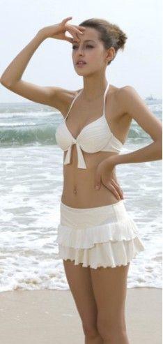 Bikini push up blanco con falda 48.00€ http://www.lenceriaonline.es/bikini-push-up-blanco-falda.html