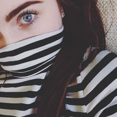 girl, site model, and grunge image Eye Pictures, Girly Pictures, Face Aesthetic, Aesthetic Girl, Stylish Girls Photos, Girl Photos, Girl Hiding Face, Stylish Dpz, Lovely Eyes