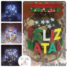 Enfeitando o Natal em 5 minutinhos! #SeViraNaArte #EnfeitesDeNatal #JáÉNatal #EntãoÉNatal #Artesanato #Reciclagem #Luminária #LuzinhasDeNatal #LetrasDeEVA #PoteDeConserva #Rolhas #EVA #Tecido