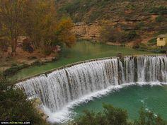 www.mirecreo.com Salto de la presa de Bierge, Huesca #huesca #bierge #spain #turismo #tourism #viajes #travels #trips #excursiones #vacaciones #holidays #mirecreo
