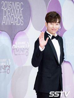 Yoon Hyun-min - 2015 MBC Drama Awards