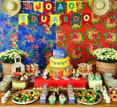 Inspiração Festa Junina 1 Year Old Birthday Party, Birthday Cake, Birthday Parties, Ideas Para Fiestas, Festival Looks, Malu, Some Ideas, Bento, Birthdays
