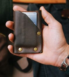 American Bench Craft creates riveted leather accessories that are made for a lifetime. Sleek, durable wallets & money clips from the finest leather. Leather Gifts, Leather Craft, Leather Front Pocket Wallet, Recycled Leather, Leather Accessories, Leather Working, Innovation Design, Unique Gifts, American