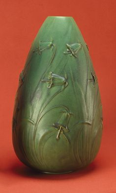 Teco Pottery - Daffodils Vase, Number 189. Matte Glazed Pottery. Chicago, Illinois. Circa 1902. 41.3cm x 23.8cm.